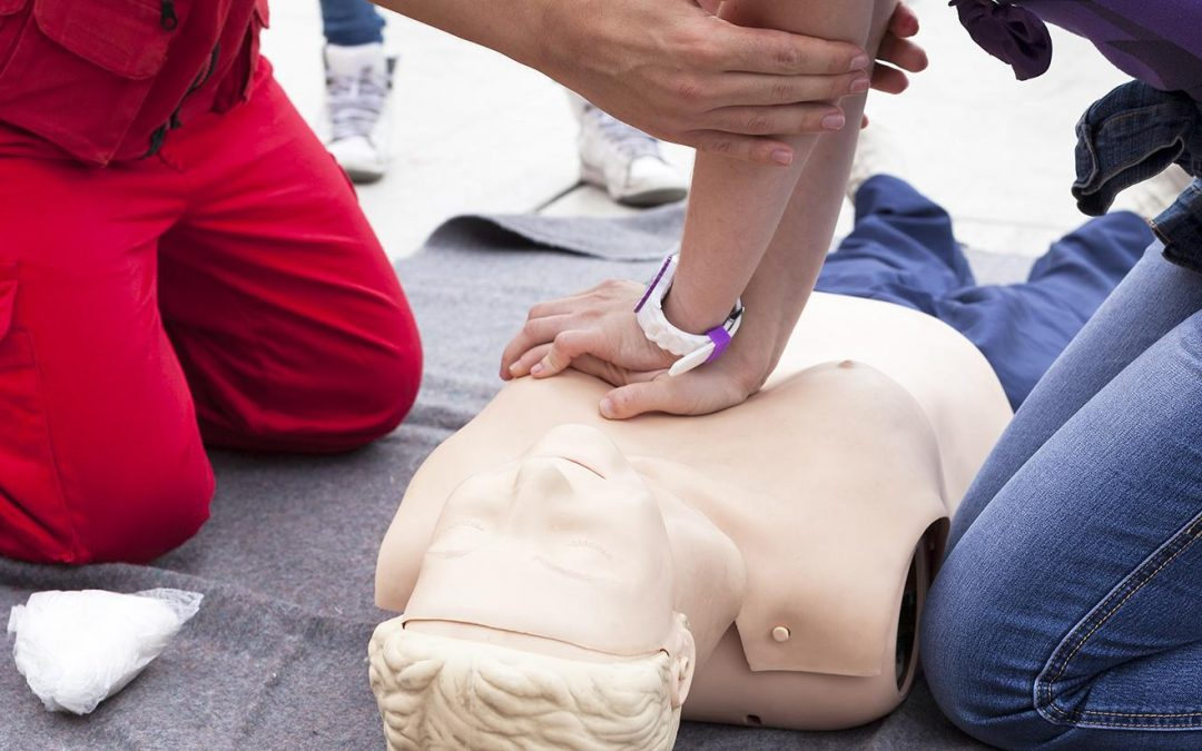 Who Should Take Emergency First Aid Training?